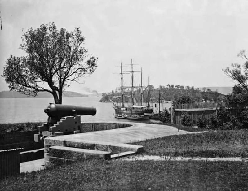 Little Fort - Mrs Macquaries Pt - HMS Liverpool - Garden Island - 1870.jpg
